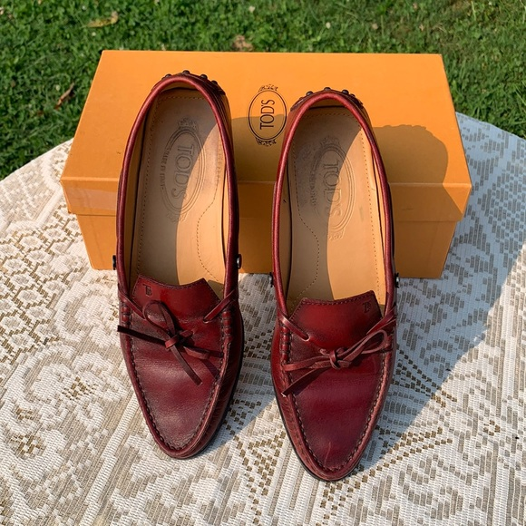 Tod's Red Leather Bow Tie Loafers Size 7 with Box